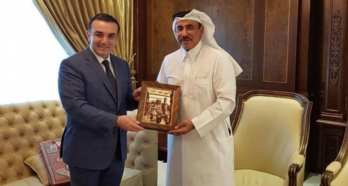سفيرنا يجتمع في قطر مع الوزير