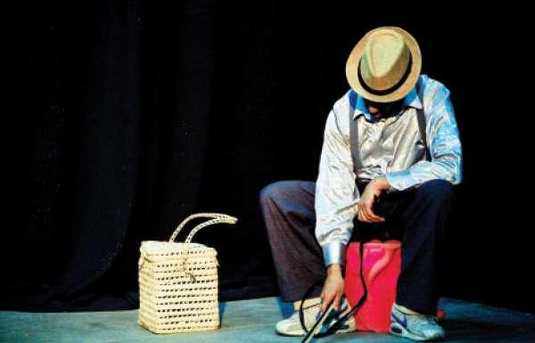 «في انتظار غودو» تعود إلى المسرح المغربي