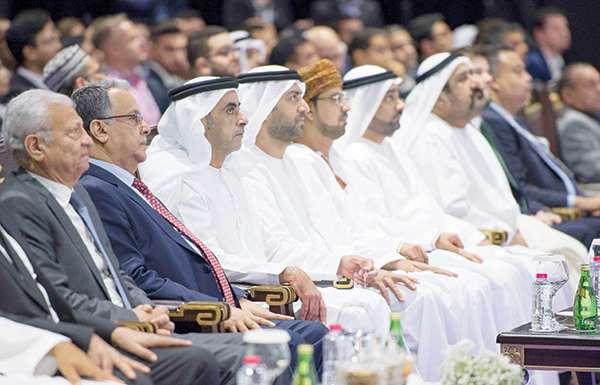 سيف بن زايد يفتتح مؤتمر الاقتصاد الرقمي في دبي