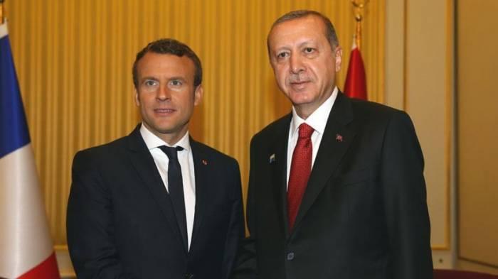 Ərdoğan Fransa prezidenti ilə Suriyanı müzakirə edib