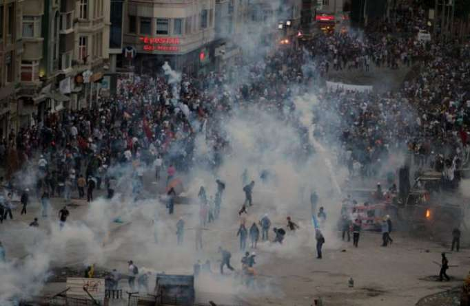 Istanbul to protest against extension of state of emergency