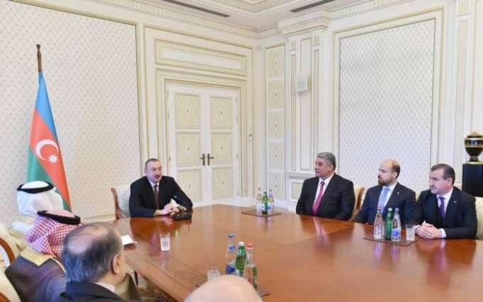Le président Aliyev rencontre les ministresde la Jeunesse et des Sports - PHOTOS