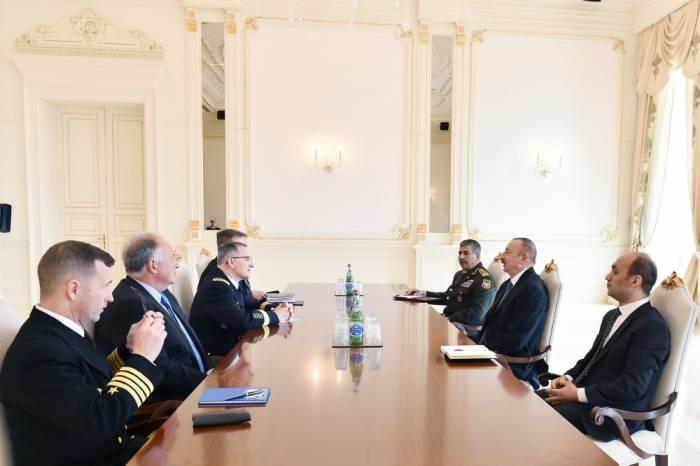 Ilham Aliyev rencontre lecommandant suprême des forces de l