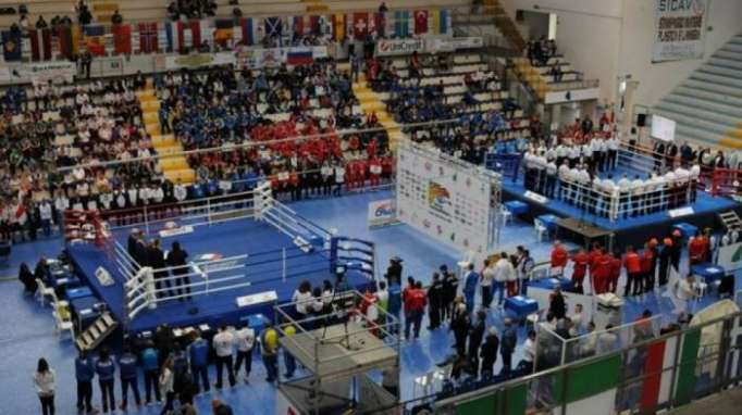 Youth Azerbaijani boxers make successful start to European Championships