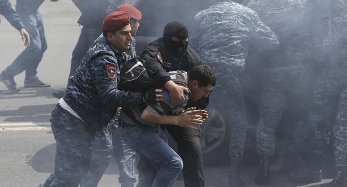 Jerewan: Zigtausende bei Protestaktion im Stadtzentrum – mehrere Verletzte