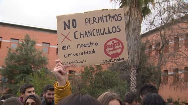 Universidades de Madrid salen a la calle para reivindicar el trabajo que se realiza en los másteres