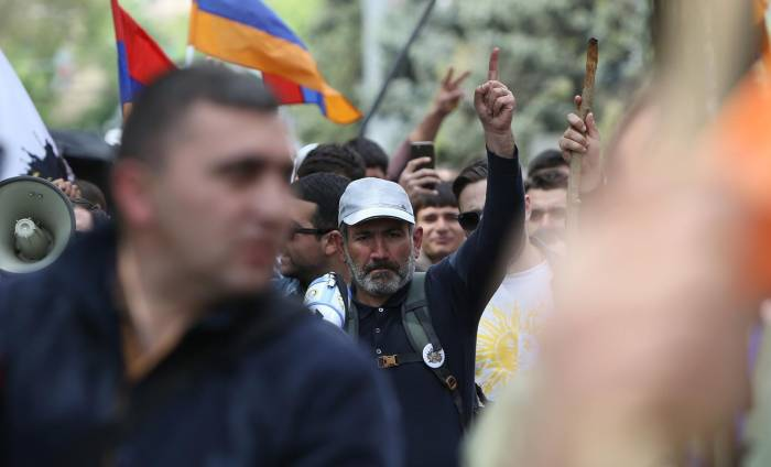 Opposition prepares for siege of Republican Party of Armenia