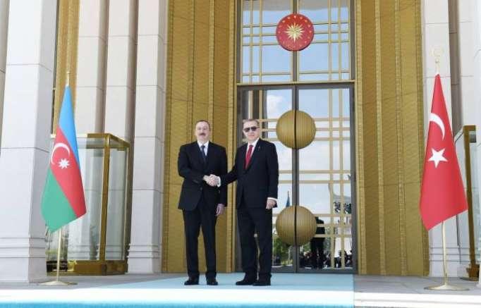 Ilham Aliyev invita a Erdogan a Azerbaiyán