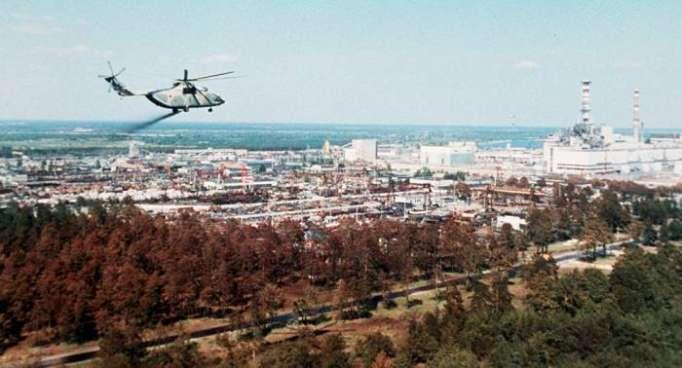 Selbstlos im Einsatz: Piloten über Tschernobyl-Reaktor nach Explosion