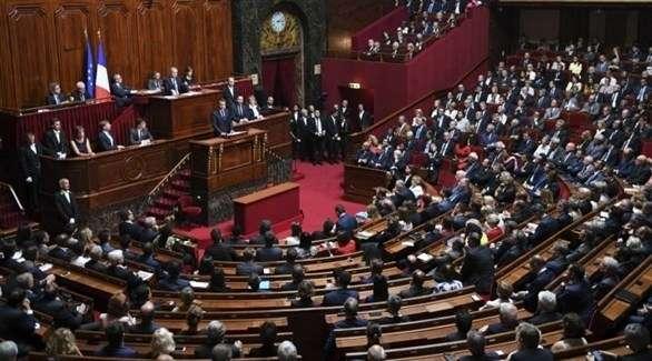 البرلمان الفرنسي سيناقش من دون تصويت الضربات في سوريا