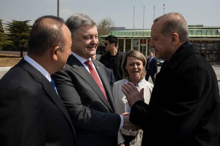 Poroşenko gözlənilmədən Türkiyəyə getdi - FOTO