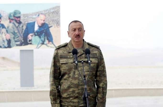 """İlham Əliyev: """"Azərbaycan silah ixrac edən ölkəyə çevrilir"""""""