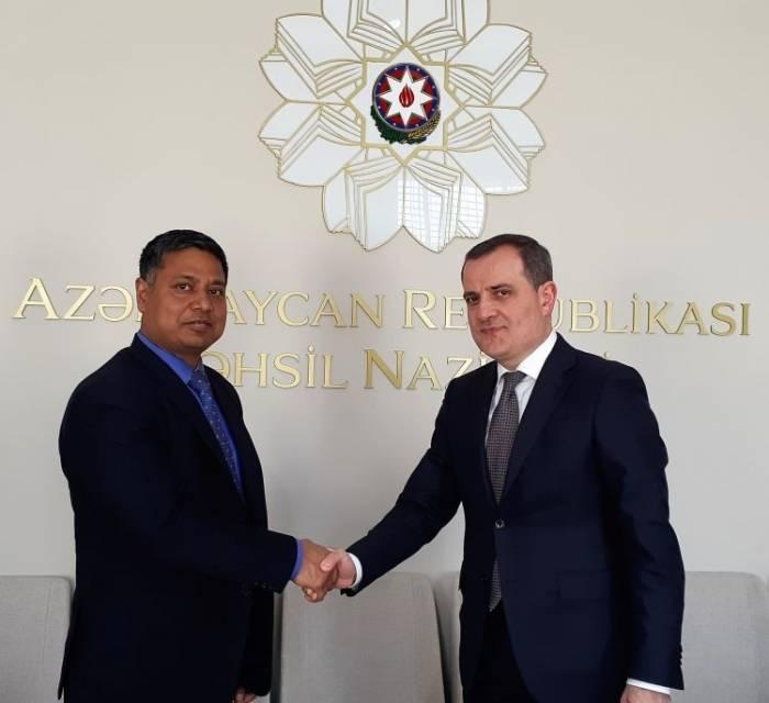 Azerbaijan, India discuss cooperation in education