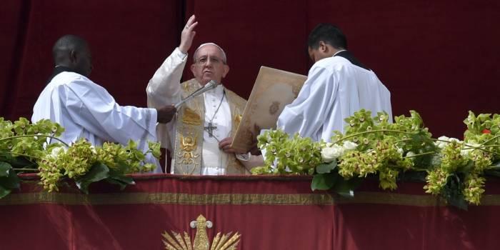 Le pape tance les catholiques critiques de son discours migratoire