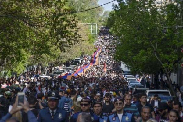 Ruling coalition in Armenia splits