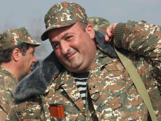 Ermənistanda etirazçılardan biri Ovanisyanı qətlə yetirib