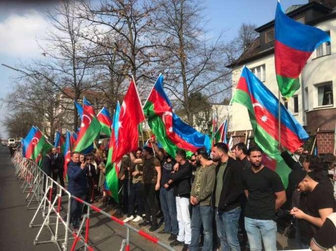 Azerbaijanis hold solidarity rally in Berlin - PHOTOS