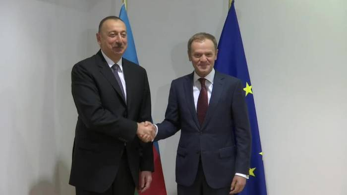 Tusk congratulates Ilham Aliyev on winning presidential election