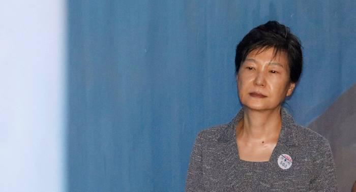 La expresidenta surcoreana desiste de recurrir la sentencia de 24 años de cárcel