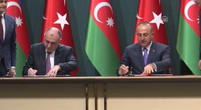 Se están firmando los documentos entre Turquía y Azerbaiyán-En Vivo