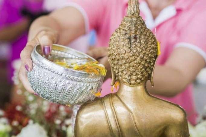 Le Nouvel an thaïlandais Songkran - PHOTOS