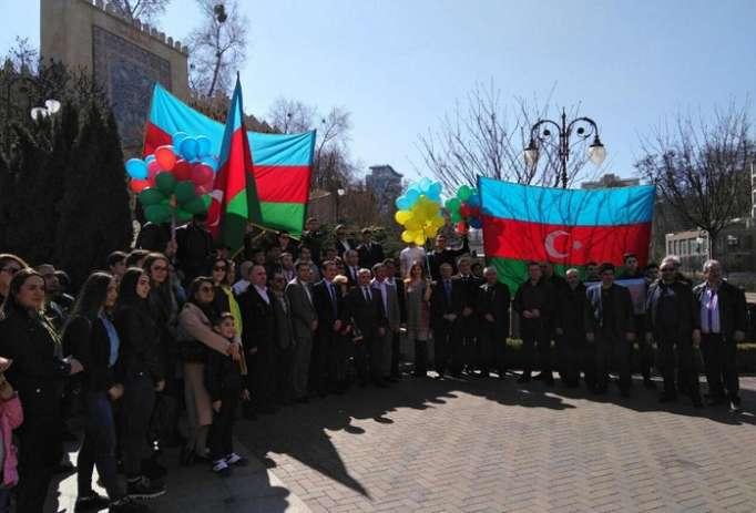Kiyevdə azərbaycanlıların həmrəylik aksiyası keçirilib