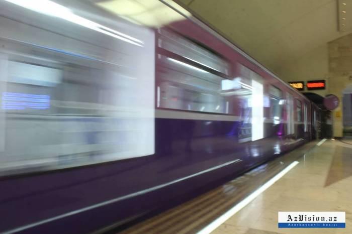 Bakı metrosunun yeni qatarı - FOTOLAR