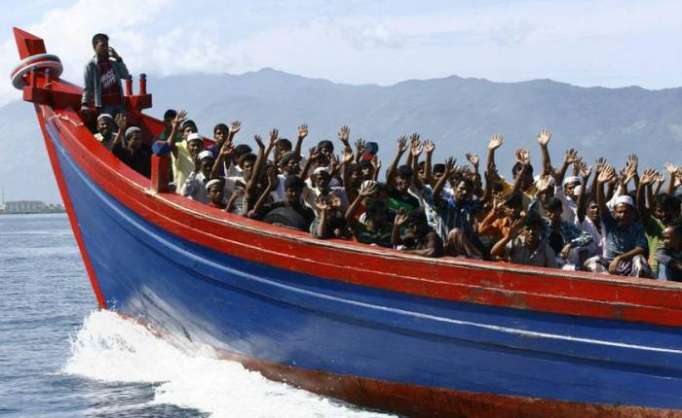 Boat with 70 Rohingya Muslims leaves Myanmar for Malaysia: sources