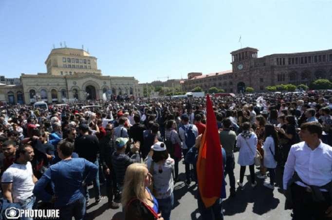 Empiezan las protestas en Armenia-En Vivo