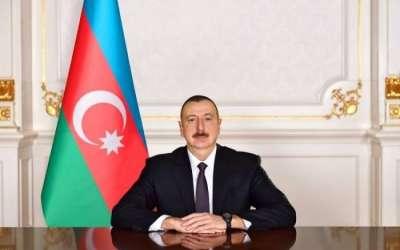 رئيس قيرغيزستان يهنئ الرئيس الأذربيجاني