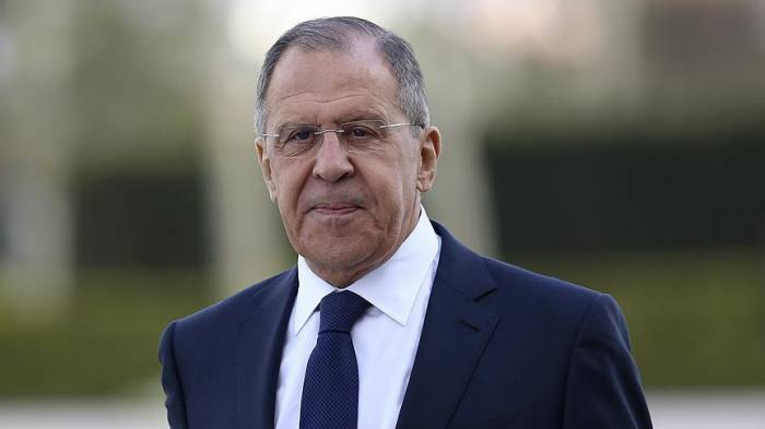 Lavrov critique l
