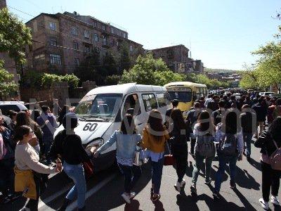 Yerevan Police detain youth blocking downtown street