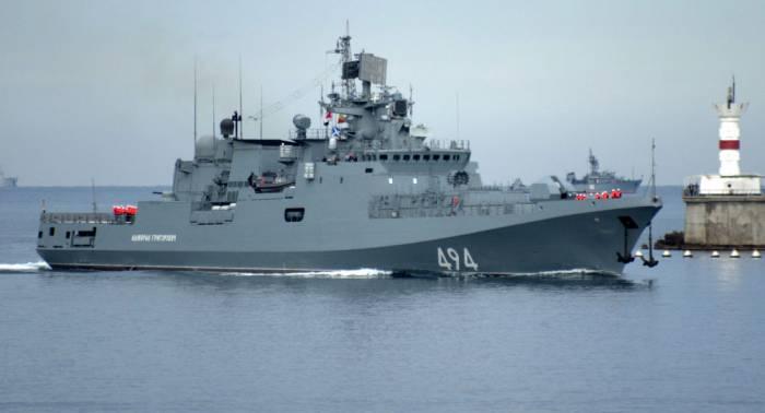 Des navires russes vont protéger Damas