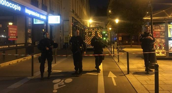 Paris stabbing attack leaves 2 persons dead, 8 injured - Reports