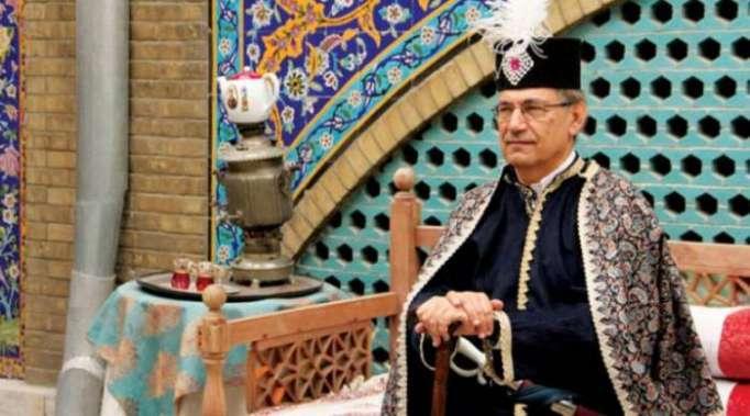 باموك في طهران... وليل الرقابة الطويل يفسد زيارته