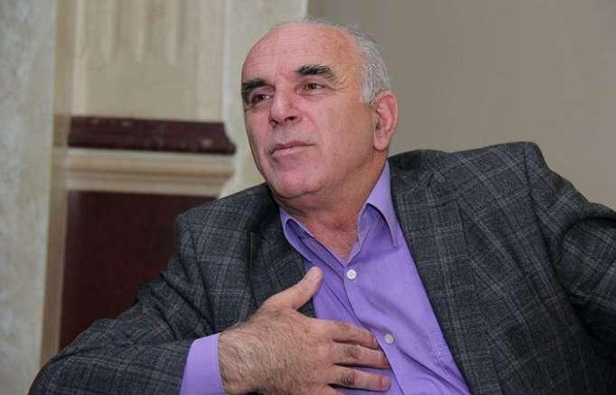 """""""Yanıma gəlirlər, hərəsini bir dəfə öpürəm"""" - Xalq artisti"""