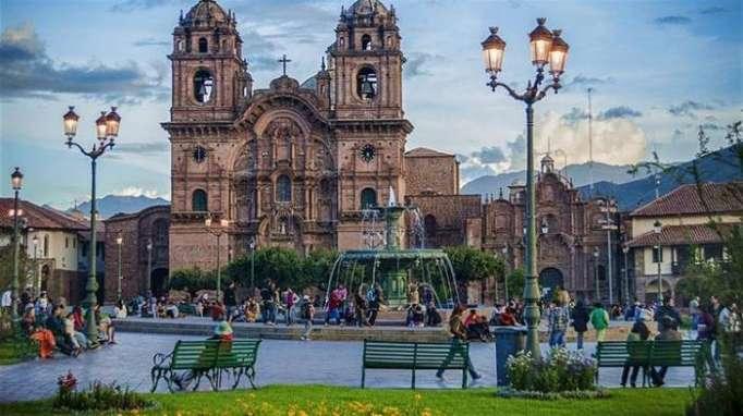 Perú nombra nueva embajadora en Azerbaiyán