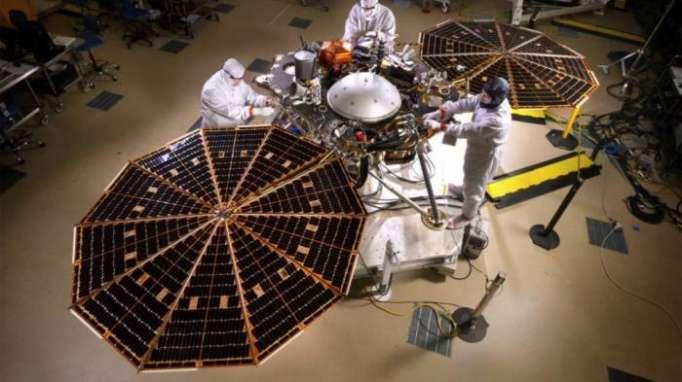 NASA Marsa kosmik aparat göndərib