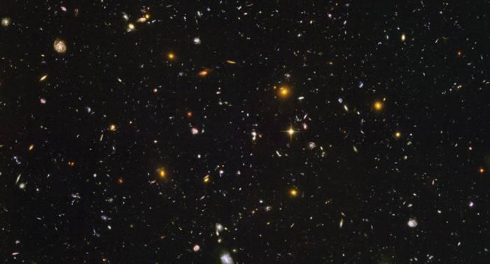 Hubble-Teleskop gelingt Aufnahme von superfernem Galaxienhaufen