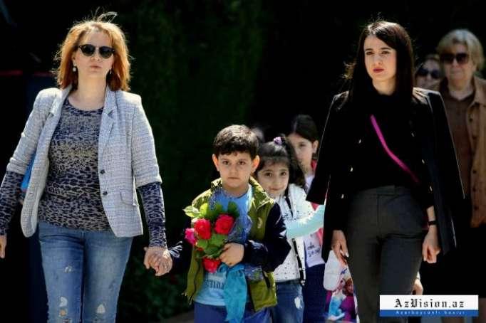 Xalq Heydər Əliyevin xatirəsini yad edir - FOTOLAR+VİDEO