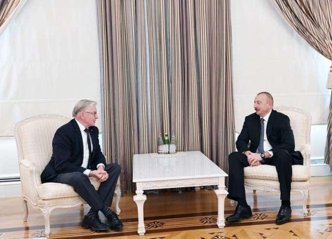 Ilham Aliyev a reçu l'ancien président du Sénat du Royaume des Pays-Bas