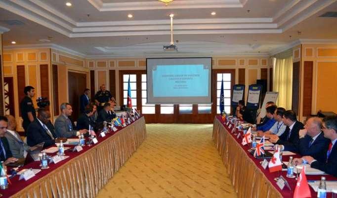 En Bakú se celebra reunión de los expertos de la OTAN