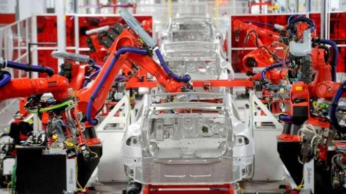 Hinweiseauf Produktionsstopp - Tesla-Kurs verliert drei Prozent