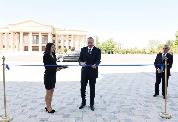 Staatspräsident Ilham Aliyev weiht neu gebautes Lehrerinstitut in Nachitschewan ein