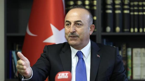 Türkischer Außenminister Çavuşoğlu kommt mit US-Außenminister Pompeo zusammen