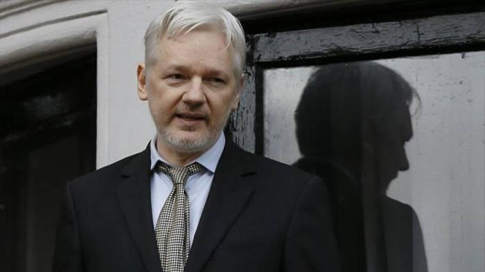 """Canciller ecuatoriano: """"El asilo para Assange no es eterno"""""""