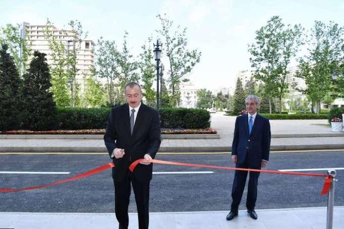 Ilham Aliyev asiste a la apertura del nuevo edificio administrativo de YAP