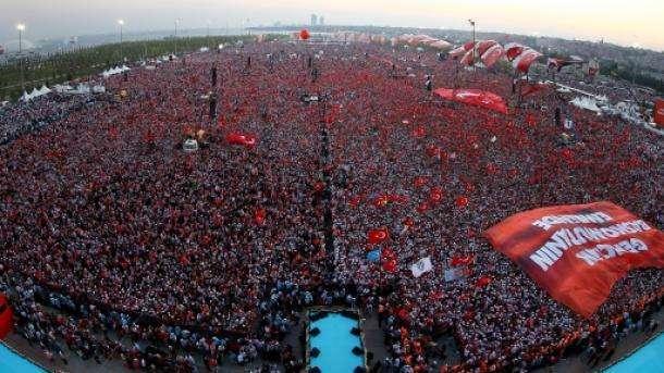"""Großkundgebung in Istanbul: """"Unterdrückung verdammen, Jerusalem unterstützen"""""""