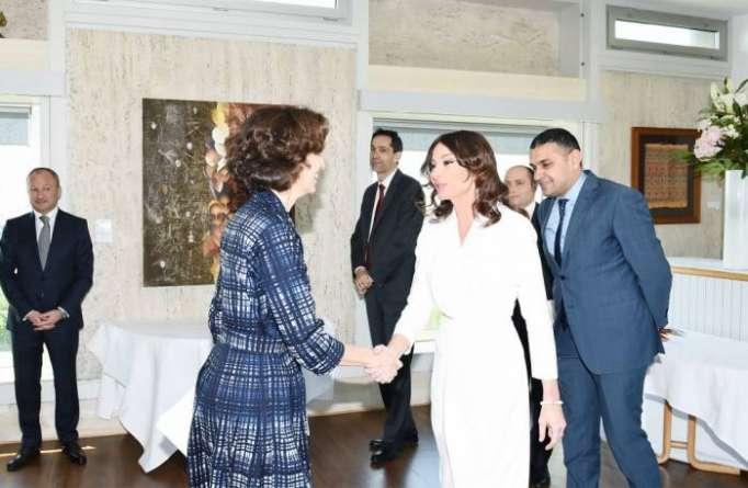 Erste Vizepräsidentin Aserbaidschans Mehriban Aliyeva trifft UNESCO-Generaldirektorin in Paris