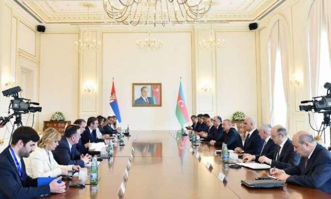 Entretien élargi des présidents azerbaïdjanais et serbe